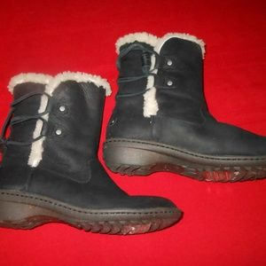 UGG Austrailia Shearling Boots--Size 9 US